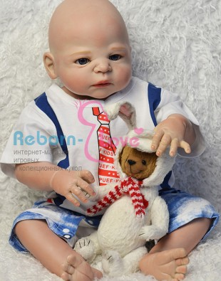 Кукла реборн в галстуке